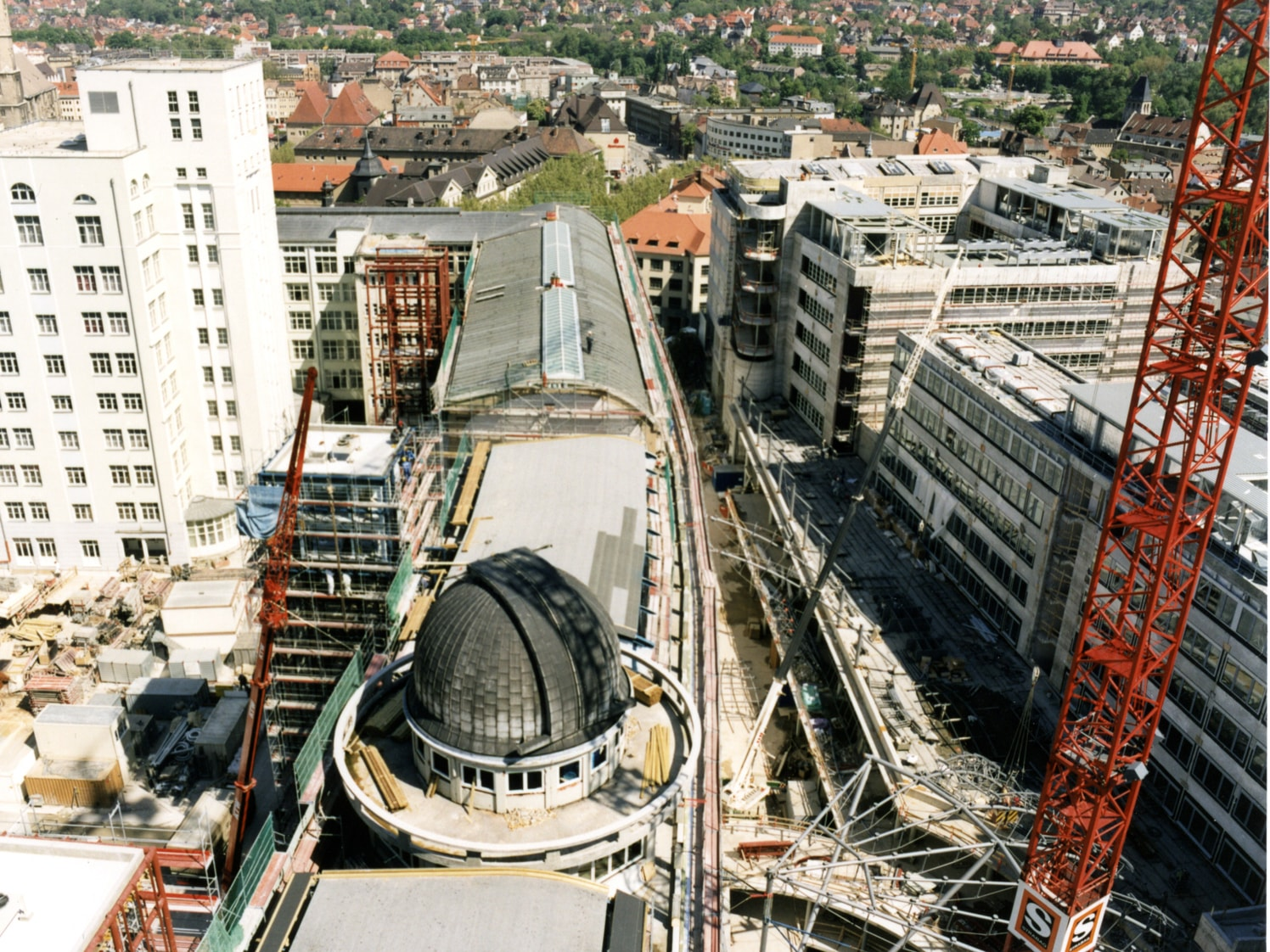 1993: Conversion of the former Zeiss headquarters