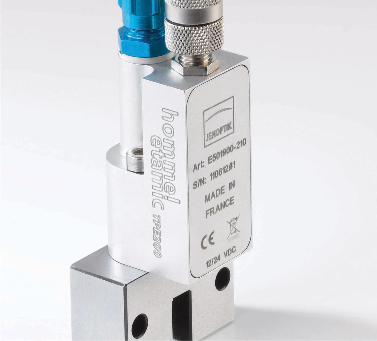 The electro-pneumatic TPE200 transducer allows you to transfer pneumatic measuring signals in numeric format